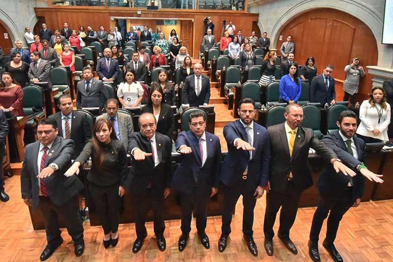 Por unanimidad eligen a Maurilio Hernández como presidente de la Jucopo