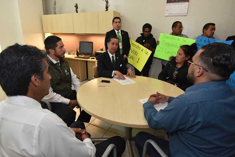 Recibe Jorge Olvera García a vecinos de Metepec que exigen su derecho a la seguridad y respaldan la Guardia Nacional