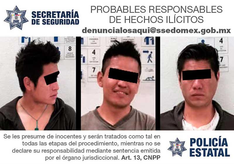Policías rescatan a tres asaltantes que iba a ser linchados en Lerma