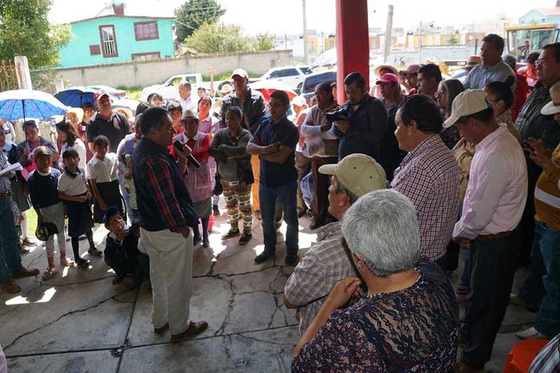 Construyen carretera a Colinas del Sol en Almoloya de Juárez