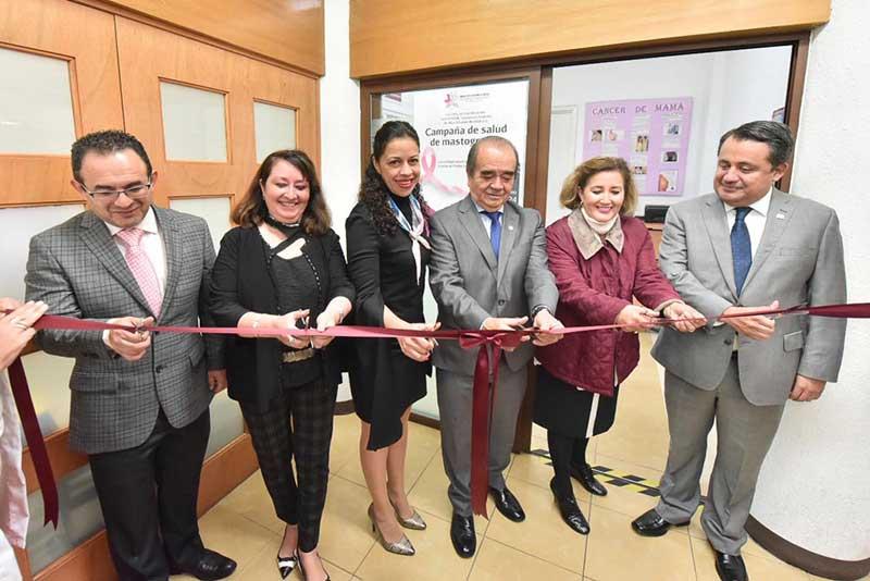 Inauguran Maurilio Hernández y Eva Pareja la sala de lactancia del OSFEM
