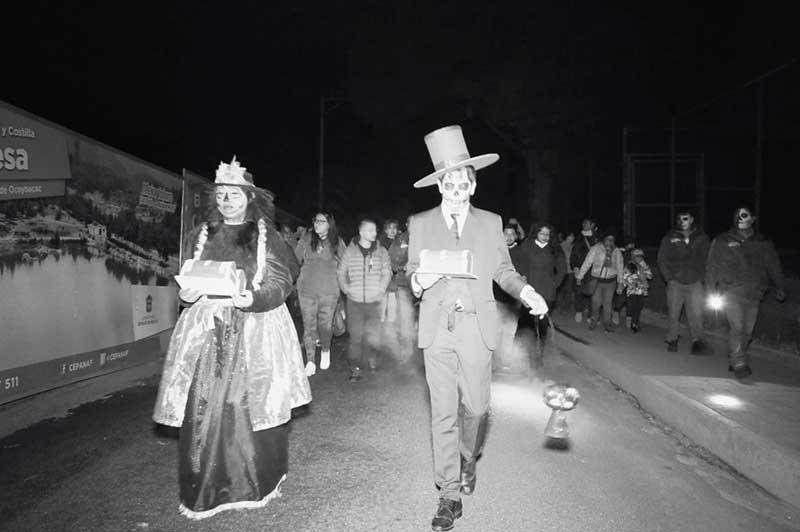 En Zacango realizan recorridos nocturnos del día de muertos