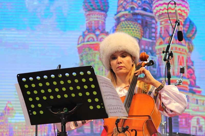 """Público de Quimera viaja a Rusia a través de la música de """"Arco & Lira"""""""