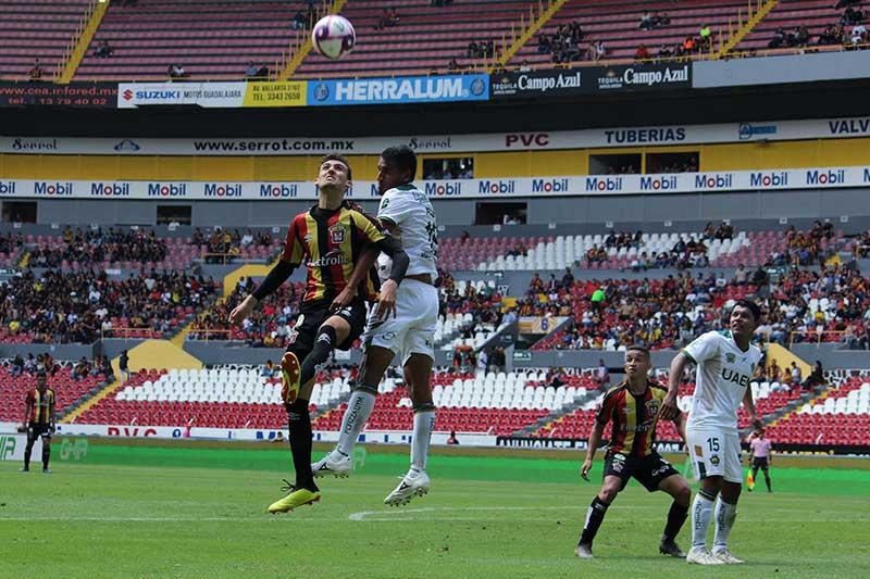 Potros de la UAEM pierden 3-2 con Leones Negros de la UDG