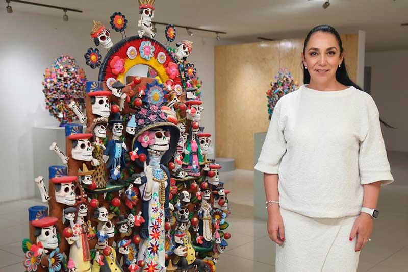 "Artesanos de Metepec exhiben obras de arte en ""cantrinarte"""