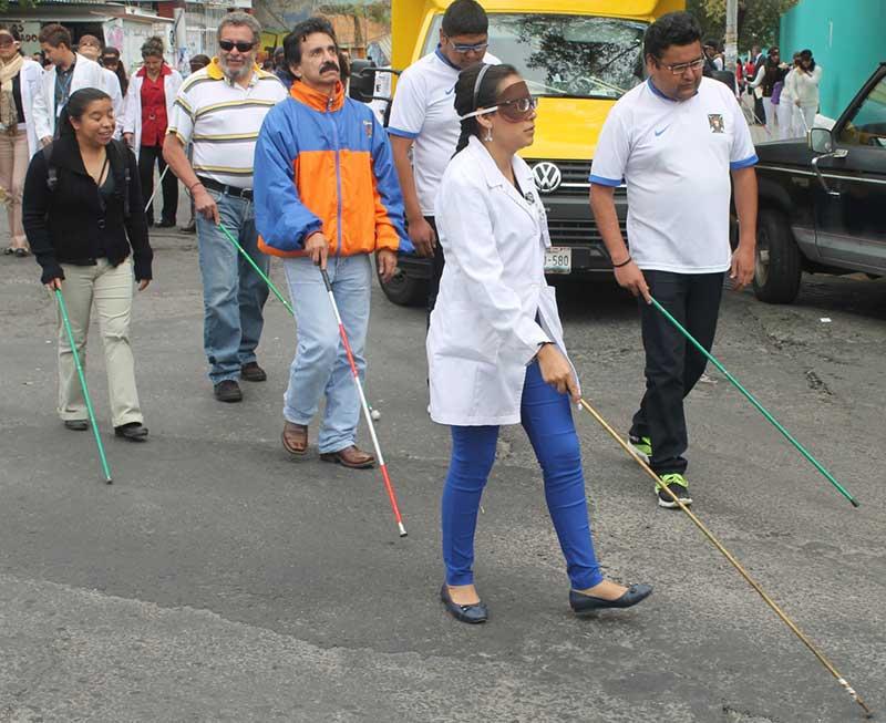 Invita Isem a caminata por el día del bastón blanco