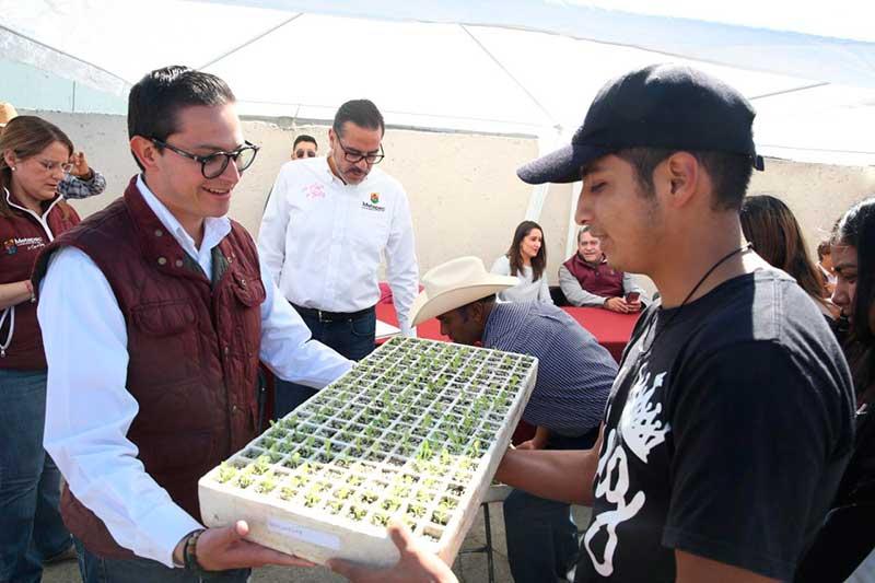 Vecinos de Bellavista en Metepec reconocen atención para mejorar servicios