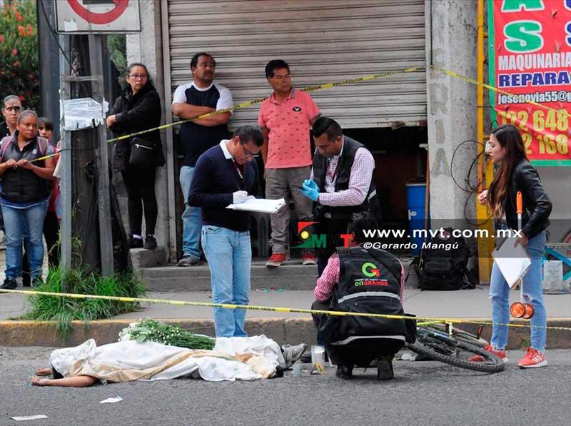 Niño que salía de la escuela muere atropellado por el conductor de una pipa