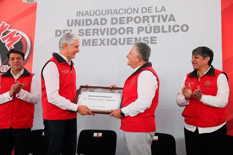 Inauguran unidad deportiva para burócratas agremiados al Suteym