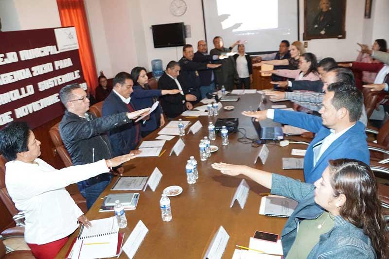 Presidente de Almoloya de Juárez toma protesta al Consejo Municipal de la Agenda 2030