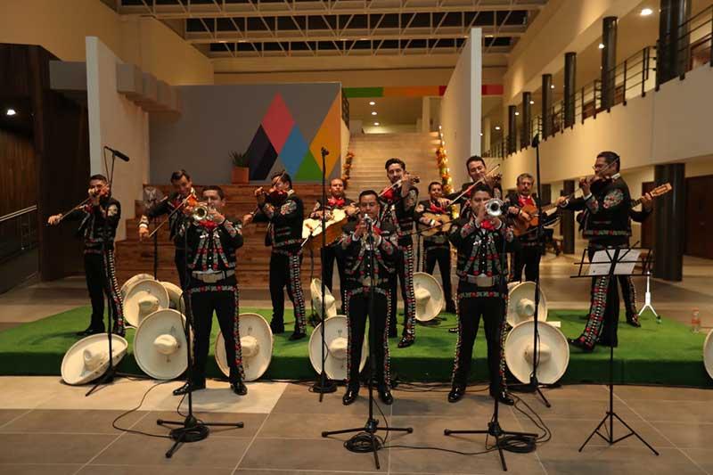 El mariachi Ángeles de Calimaya se presenta en el Conservatorio Estatal de Música
