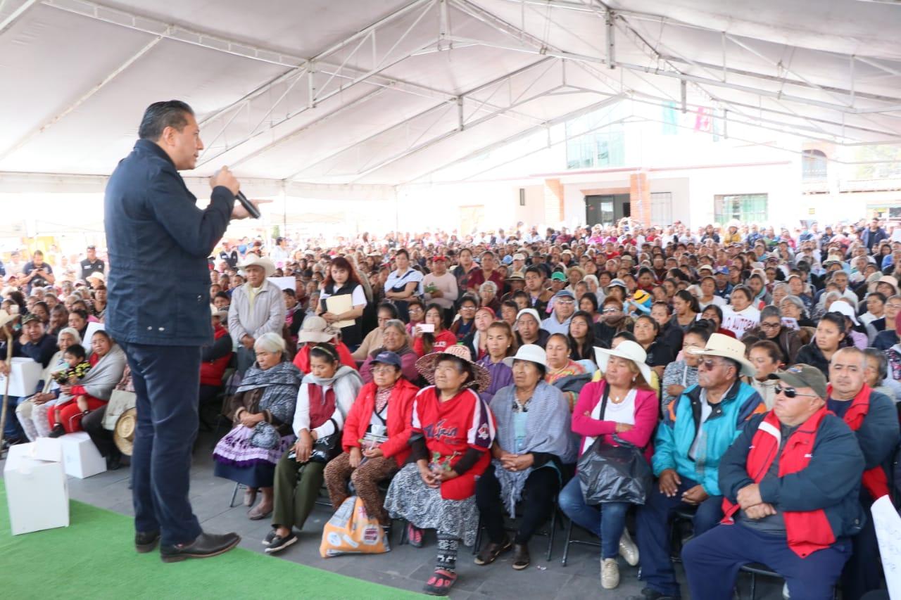 Entrega DIF Toluca, apoyos en beneficio de 15 comunidades