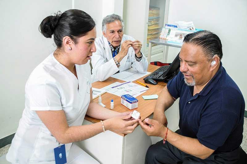 Promueve ISEM detección oportuna de crecimiento Prostático