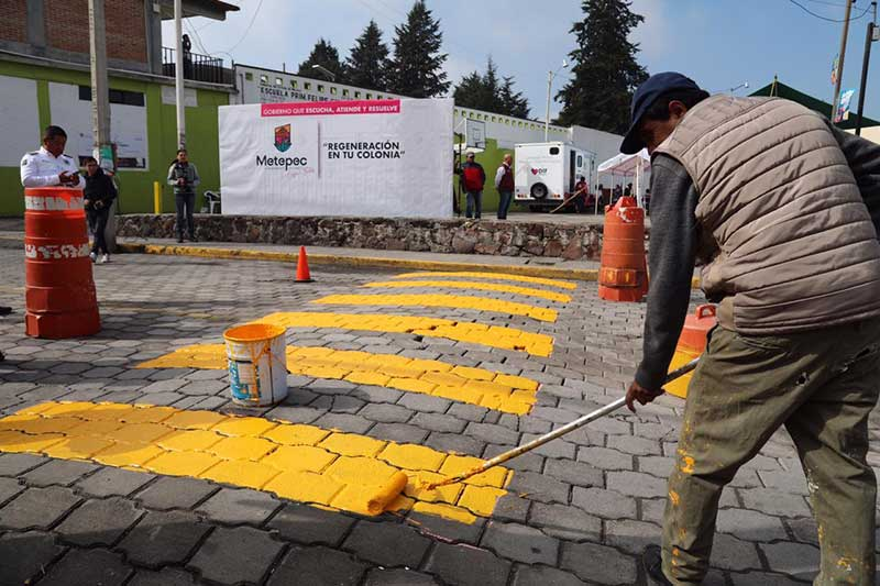 Rehabilitan servicios públicos en San Lorenzo Coacalco, Metepec