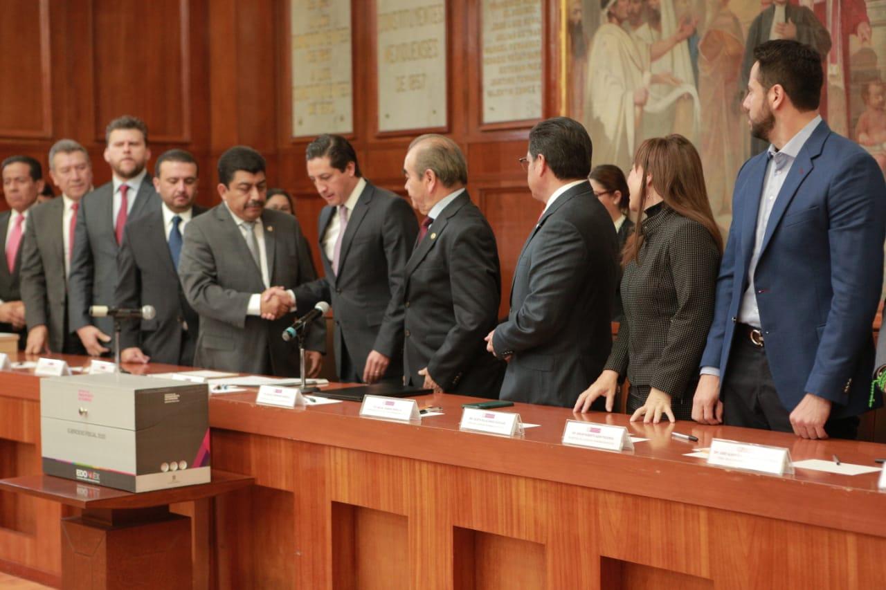 Recibe Jucopo Paquete Fiscal 2020 del GEM