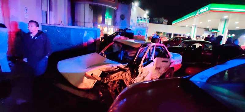 Mueren dos personas por arrancones en Av. Las Torres