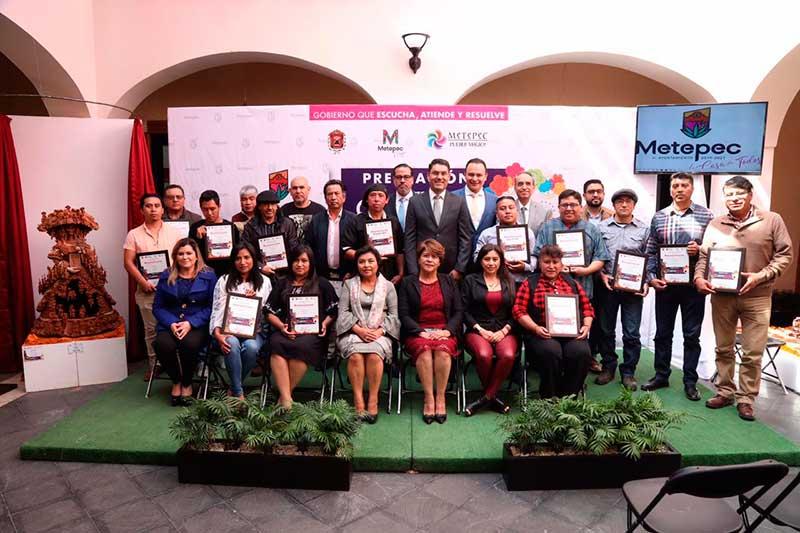 "Premian en Metepec a ganadores del certamen artesanal ""CatrinArte 2019"""