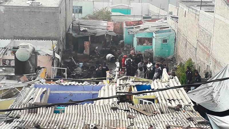 Dos personas mueren por explosión de pirotecnia en Tultepec
