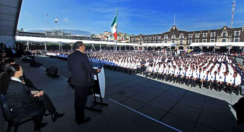 Presentan a la nueva policía de Toluca