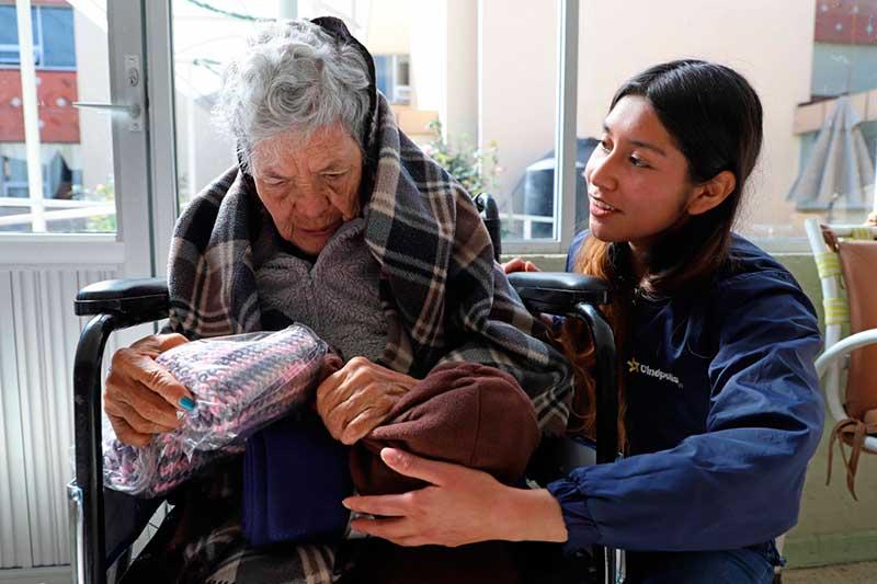 Adultos mayores recibieron obsequios donados a través de la campaña #Donaxellos
