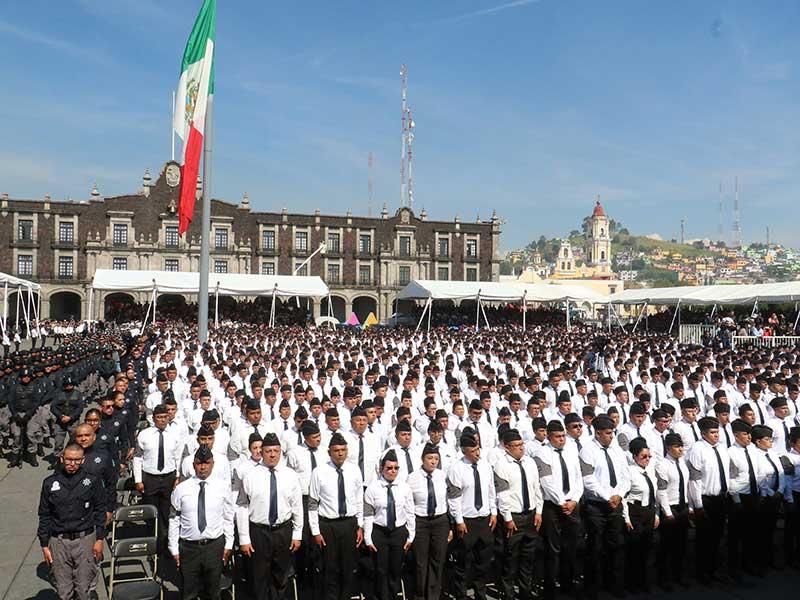 Ingresan al Colegio de Policía de Toluca 3,300 nuevos cadetes