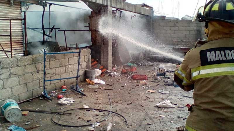Explota bodega de cohetones en Almoloya; hay un muerto y dos heridos