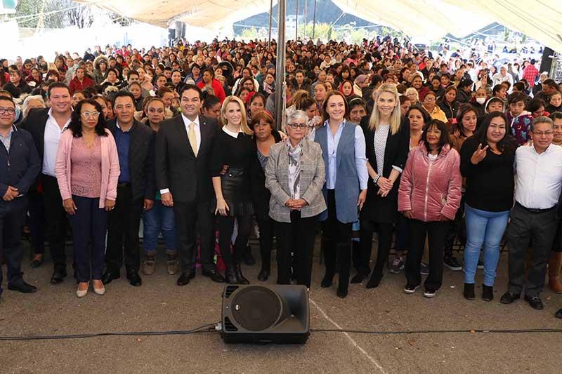 """Gobierno de Huixquilucan realiza ultima entrega del año del programa """"creciendo con mujeres activas"""""""
