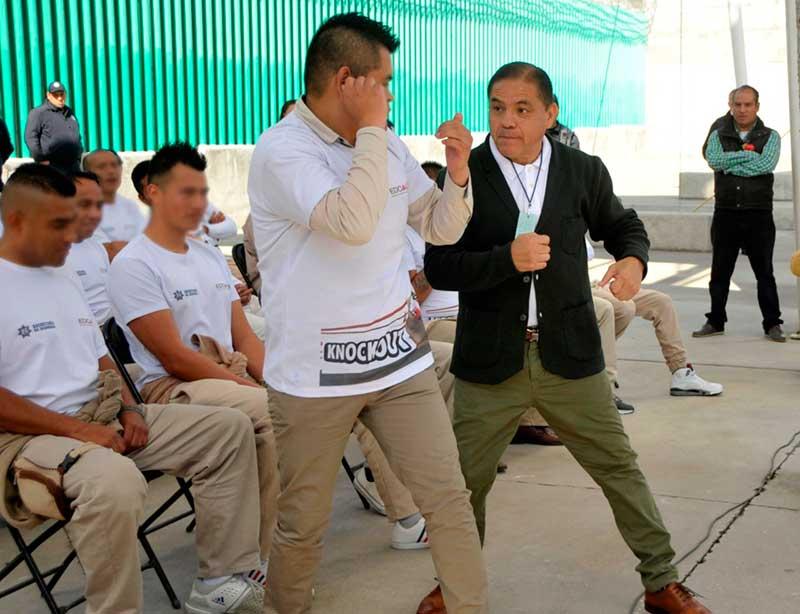 Clausuran con posada entrenamiento de box a internos del penal de Tenango