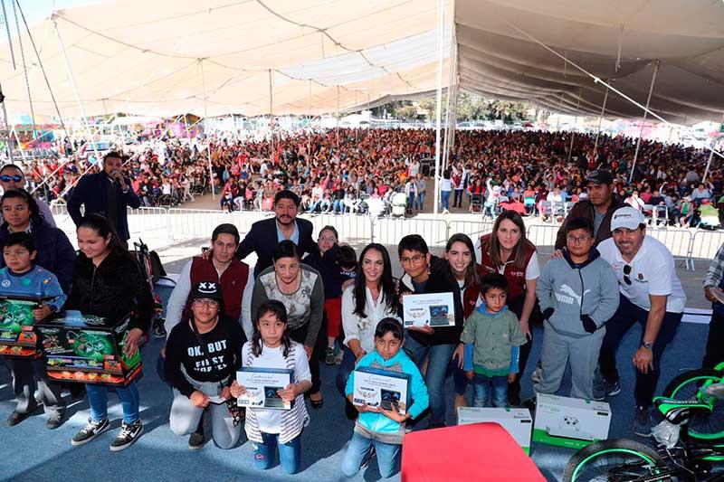 Gobierno de Metepec celebra a niños con magno festival del día de Reyes