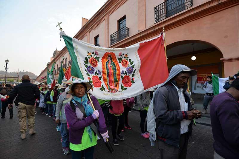 Más de 20 mil devotos Guadalupanos partieron de Toluca hacia el Tepeyac