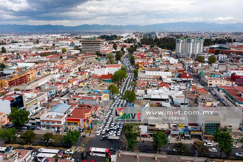 Taxistas denuncian abusos por operativos realizados en el sur del Edoméx