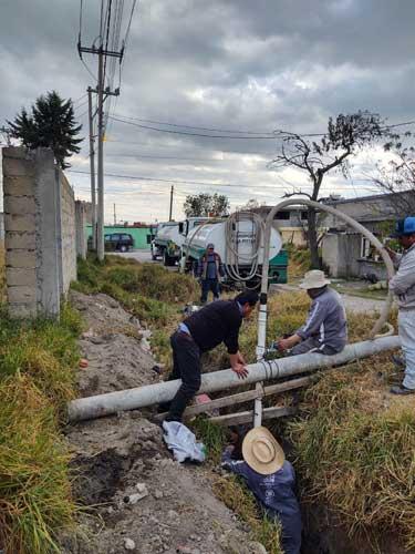 Repara Agua y Saneamiento de Toluca fuga en San Pedro Totoltepec