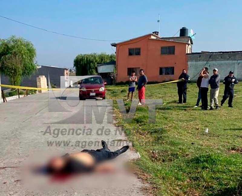 Trató de negociar el choque de su hija y le disparan en Temoaya