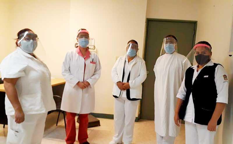 Emprendedores del Tec Toluca fabrican mil caretas que son donadas a hospitales