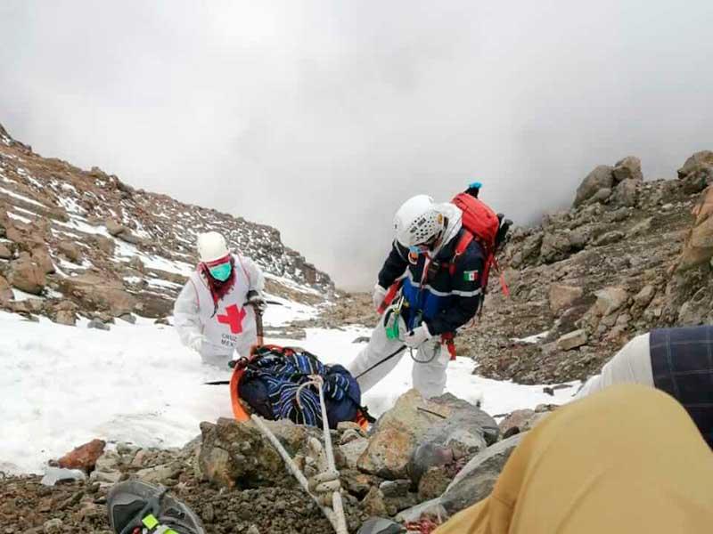 Cruz Roja rescata el cuerpo de alpinista accidentado en el Iztaccíhuatl