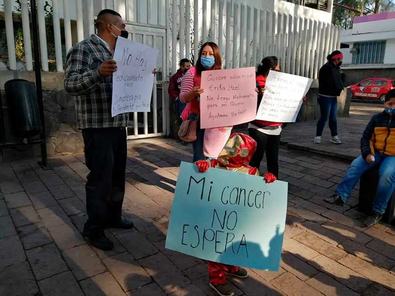 Padres denuncian falta de medicamentos para niños con cáncer
