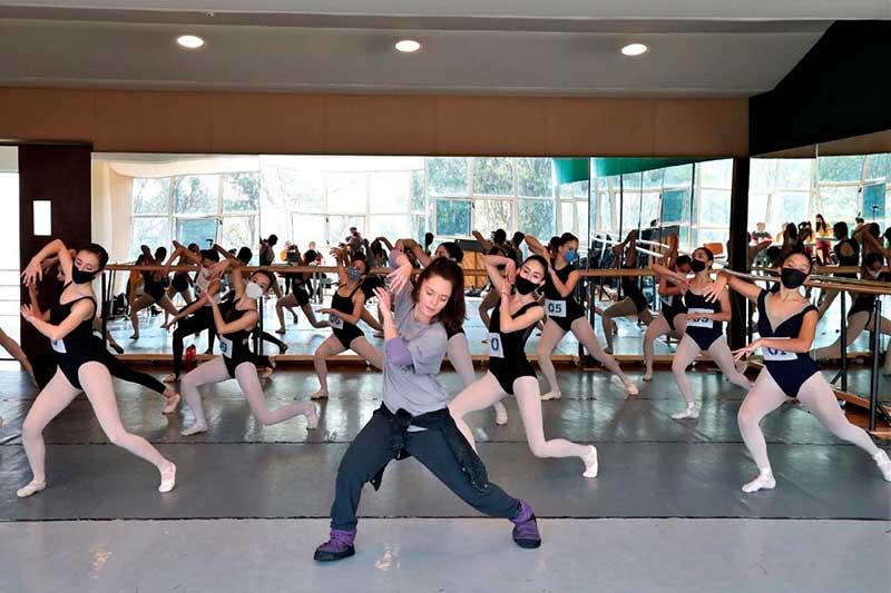 Bailarin@s audicionan para obtener la beca «Elisa Carrillo» en categoría técnica