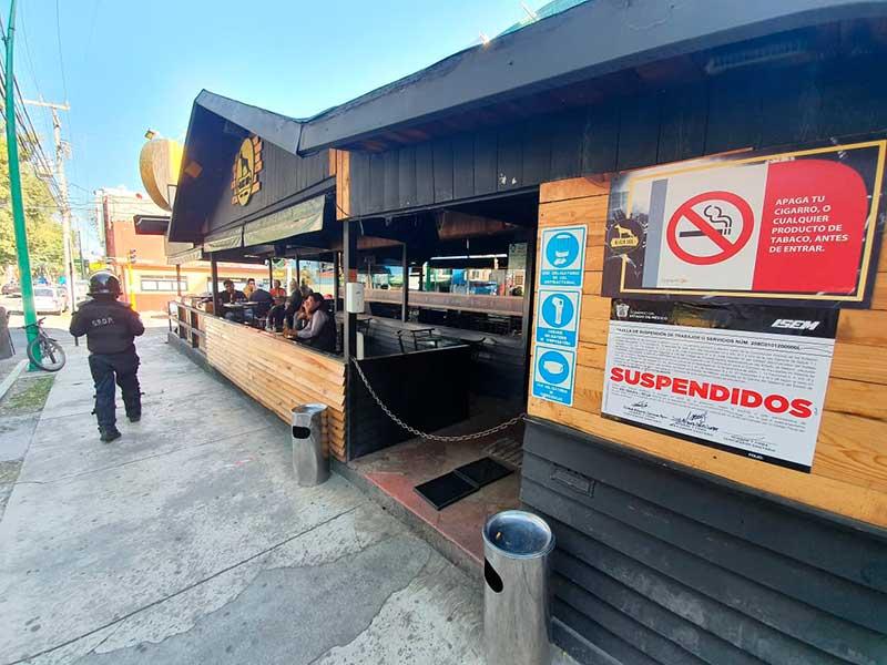 Suspende Coprisem siete restaurantes bar de Toluca por rebasar aforo permitido