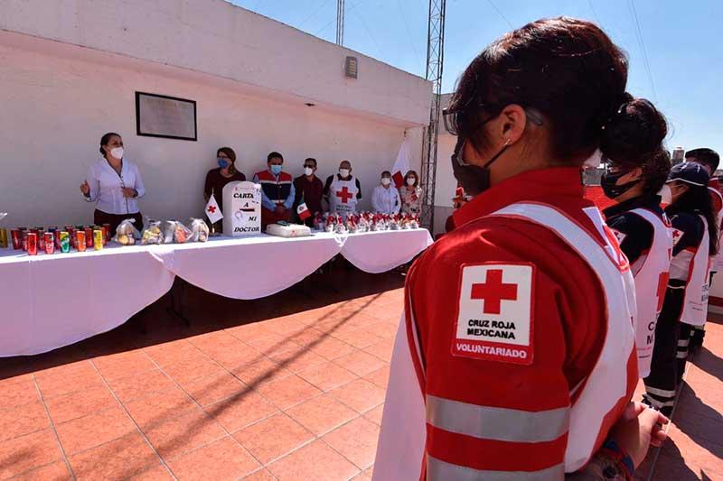 """Reconoce Poder Legislativo a paramédicos de Cruz Roja como """"héroes de la pandemia"""""""