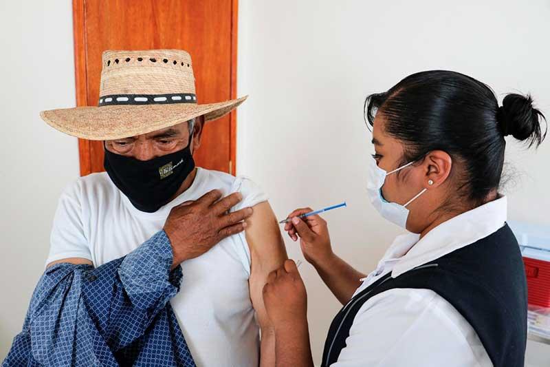 Continúa vacunación contra la Influenza en el Edomex