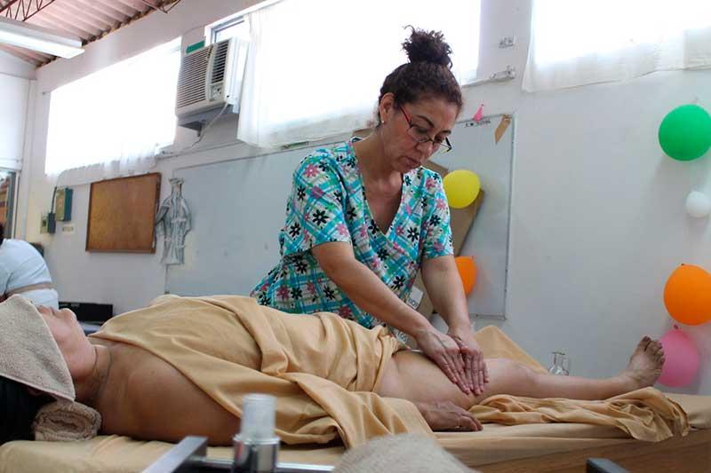 ICATI capacita a personas que cuidan de adultos mayores y personas con discapacidad