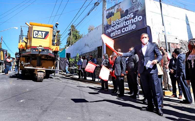 En Toluca arranca programa de rehabilitación de 100 kilómetros de vialidades