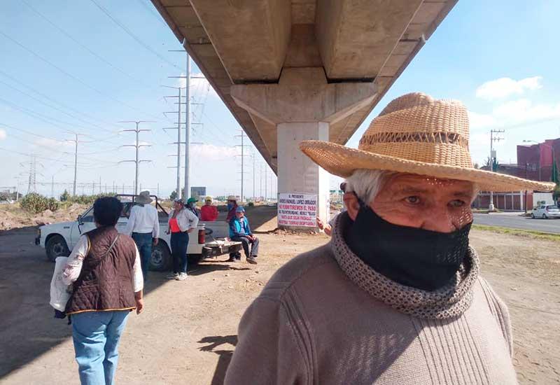 Detienen obras del tren interurbano, habitantes de San Buenaventura exigen indemnización