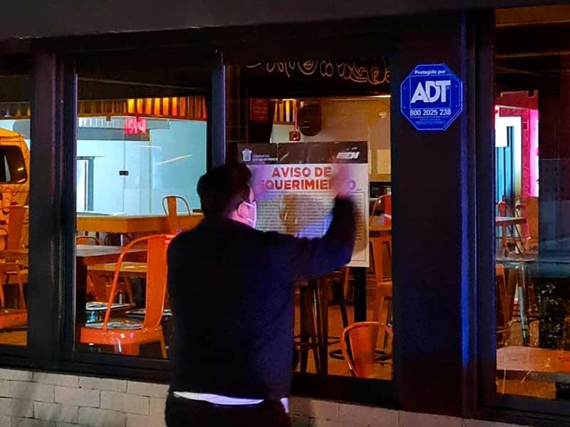 Suspende Coprisem siete bares de Toluca excedieron horario de funcionamiento
