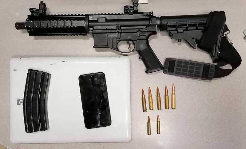 Agentes desmantelan narco-tienda e incautan un arma larga