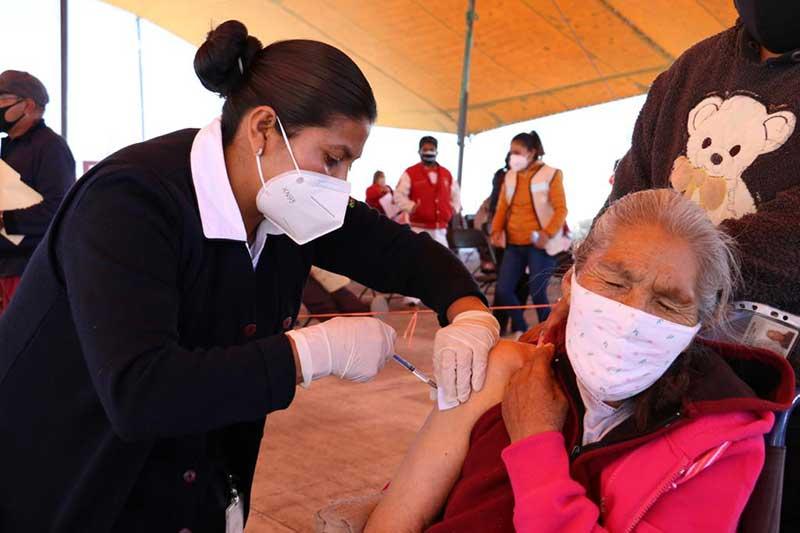 Inicia en el Edomex la primera etapa de vacunación contra el Covid-19 a adultos mayores