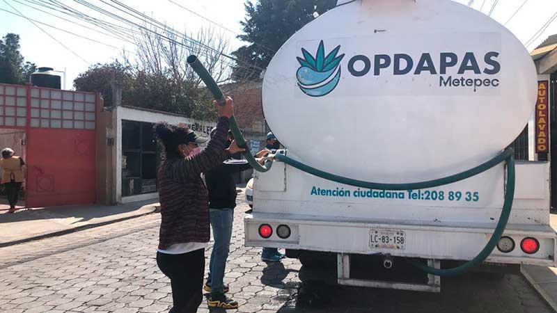 Apoyan a San Lorenzo Coacalco Metepec con distribución de agua potable