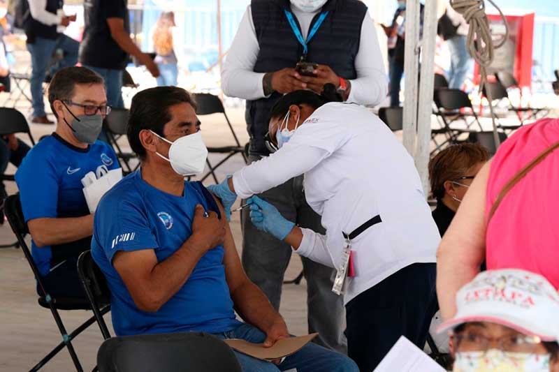 Exitoso segundo día de vacunación en Huixquilucan
