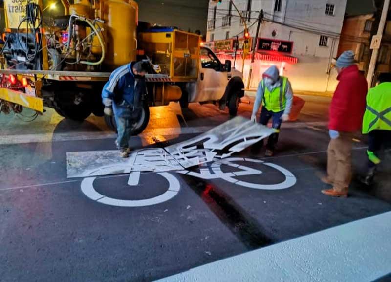 Balizan cruces en Toluca para la seguridad de ciclistas