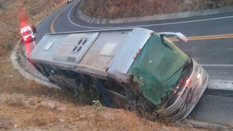 Camionazo en Acambay deja siete muertos y cinco lesionados